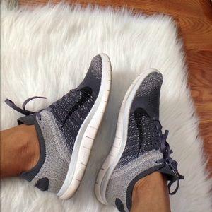Nike Flyknit Sneakers Size 8